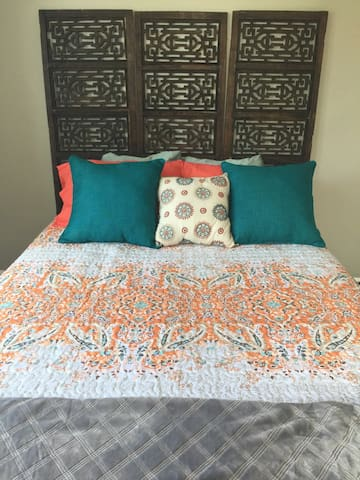 Charming Private Bedroom 2nd Floor -25 min to NYC - Mount Vernon - Rumah