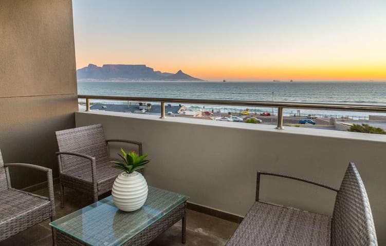 Beachfront Ocean view Apartment