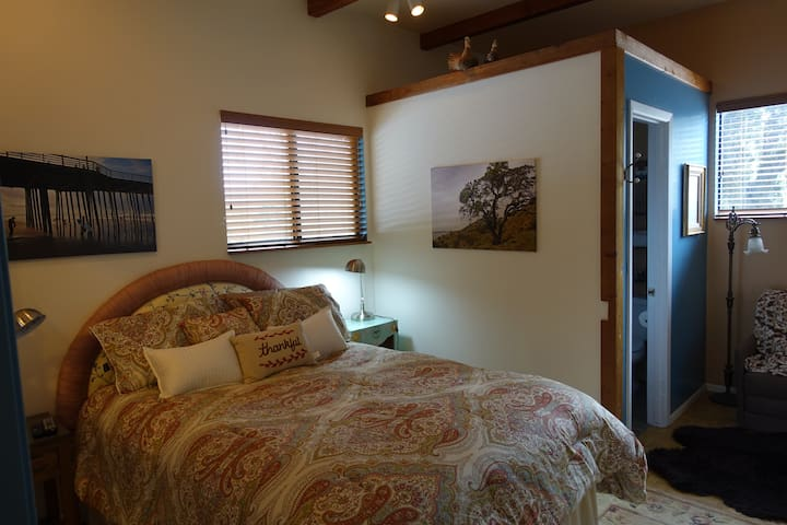 Peaceful Wine Country Get Away; nearby beaches. - Arroyo Grande - Flat