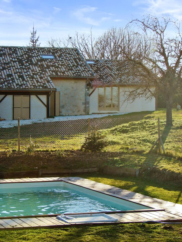 House with one bedroom in Agnac, with shared pool and enclosed garden