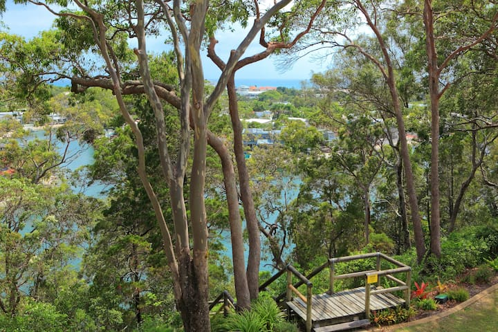 Nestled in the treetops - Apartment 35
