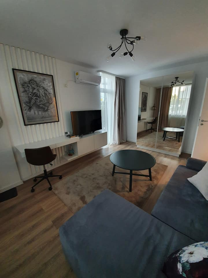 Center area, WIFI, private parking, NEW APARTMENT