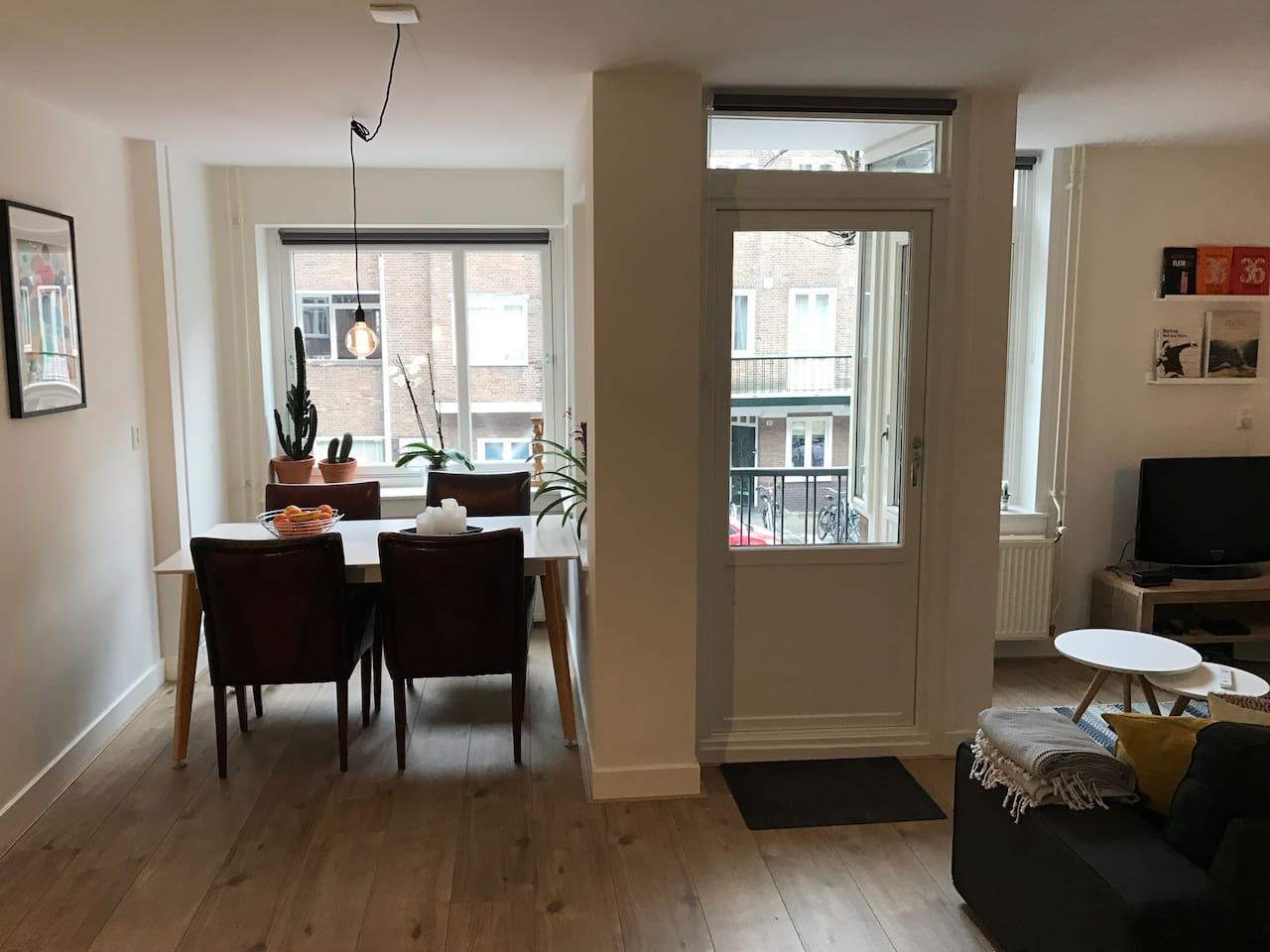 Light and modern apt with two balconies nr Jordaan