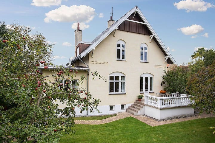 Luxury living for the large family - Gladsaxe - Villa