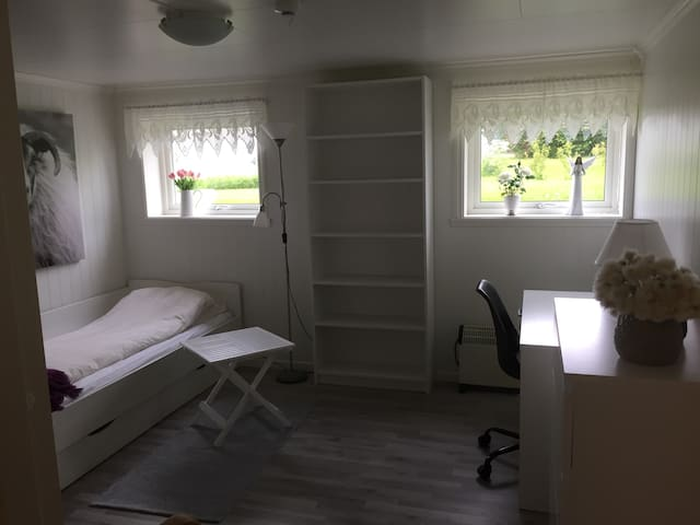 Privat room in peaceful area