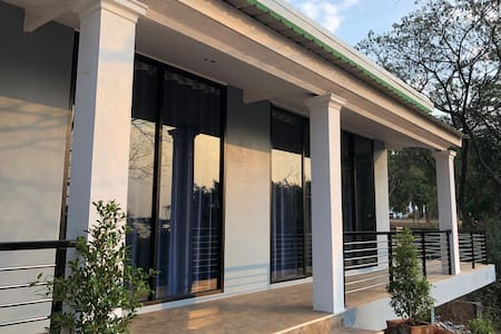 Mekong Villa long/short term rental $912 per month