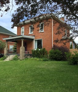 Beautiful brick house in Meaford - Meaford