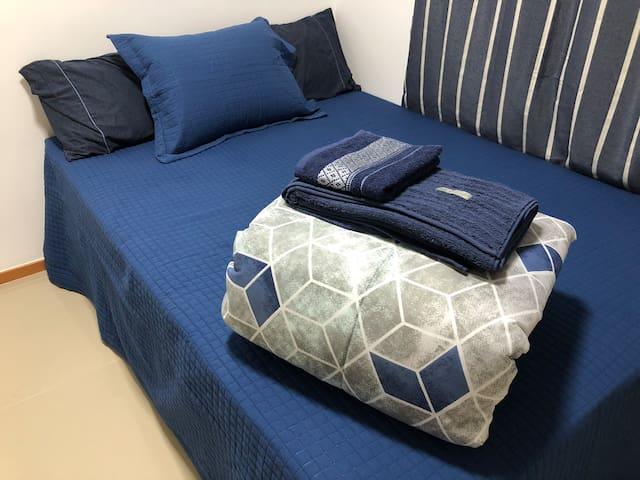 Suíte em condomínio fechado (Apartamento novo)