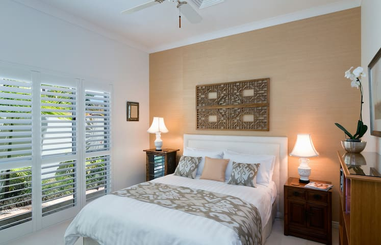 Elegant Rooms in Hope Island Resort with Breakfast - Hope Island - Haus