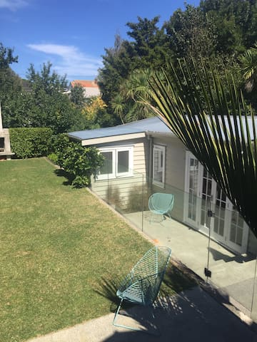 Self Contained City Cottage - Auckland - Bungalo