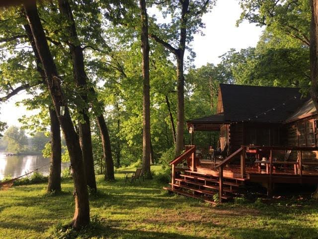 Historic Cabin on the Rock River