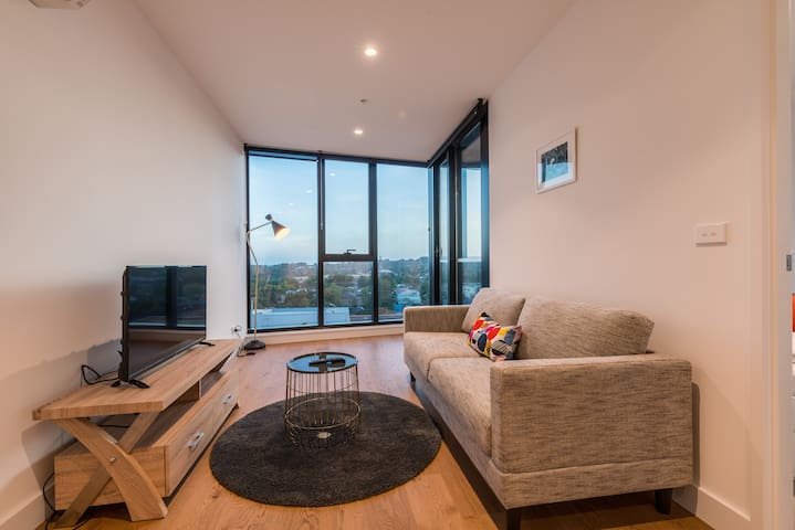 Whitehorse Tower Deluxe 1 Bedroom with View