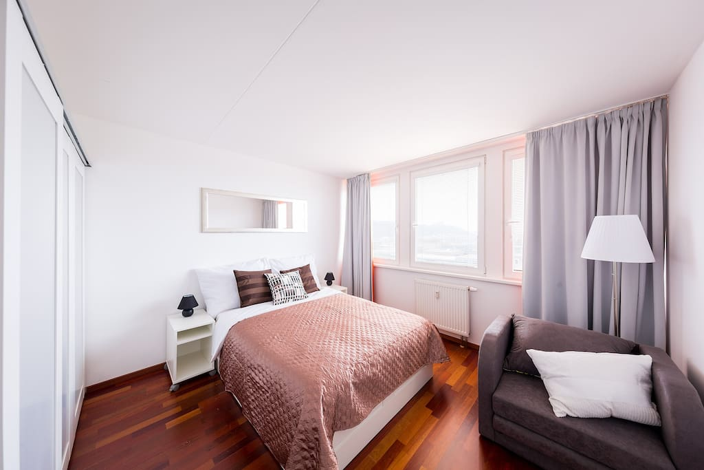 One of the bedrooms has a queen size bed with a comfortable mattress that will assure you have a good night sleep before visiting Prague's magic spots!