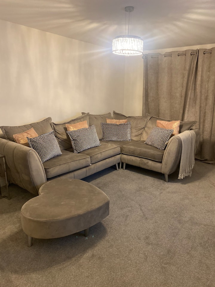 Private room in new build house
