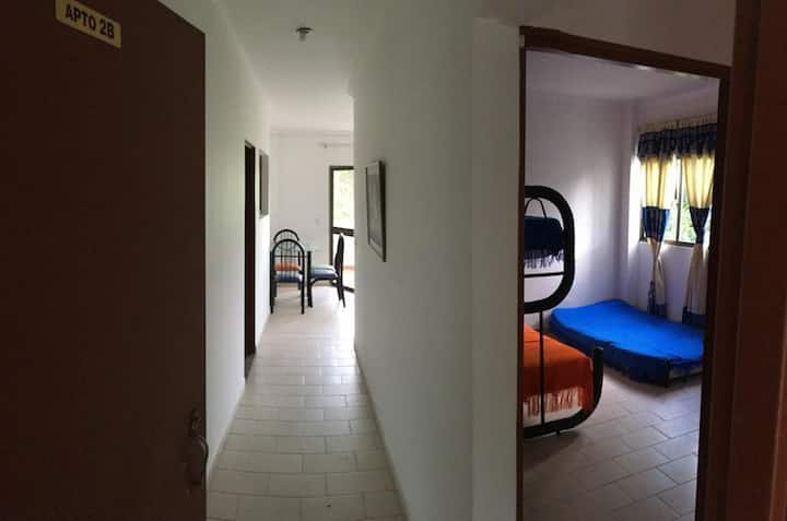 Apartamento 6 personas, zona campestre, piscina 3B