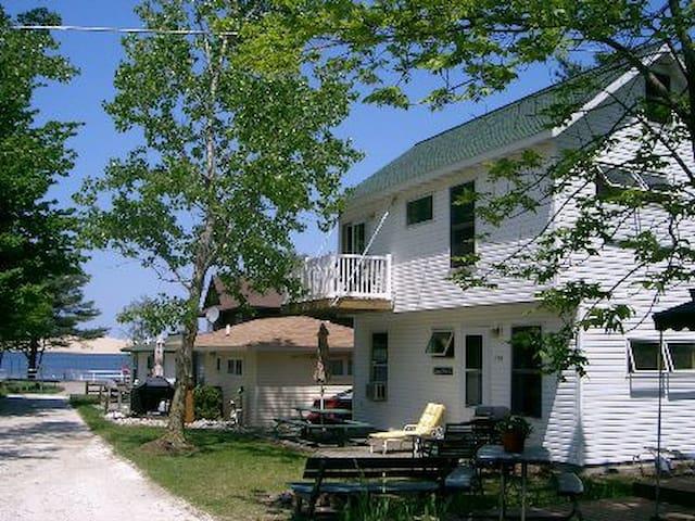 Silver Lake Dune Vista Cottage  (Sat.-Sat. only)
