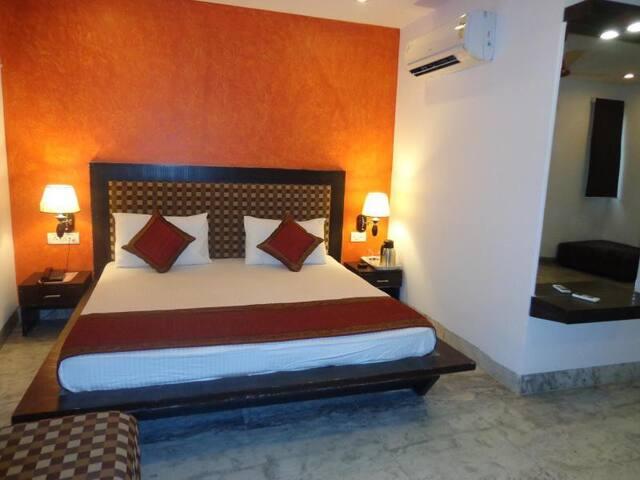Deluxe room@Venn premium, New Delhi - New Delhi - Oda + Kahvaltı