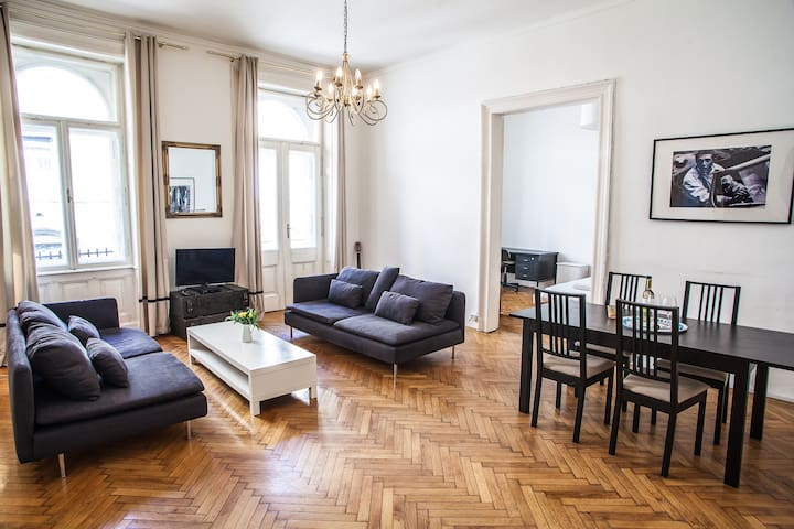 Luxury central BUDAPEST 4bd room - Budapest - Appartement