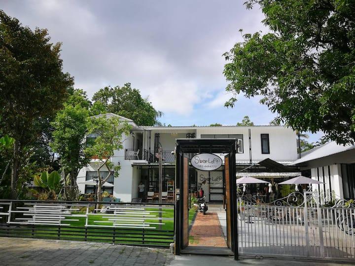 Sherloft F Private Room in Chiangmai Old City