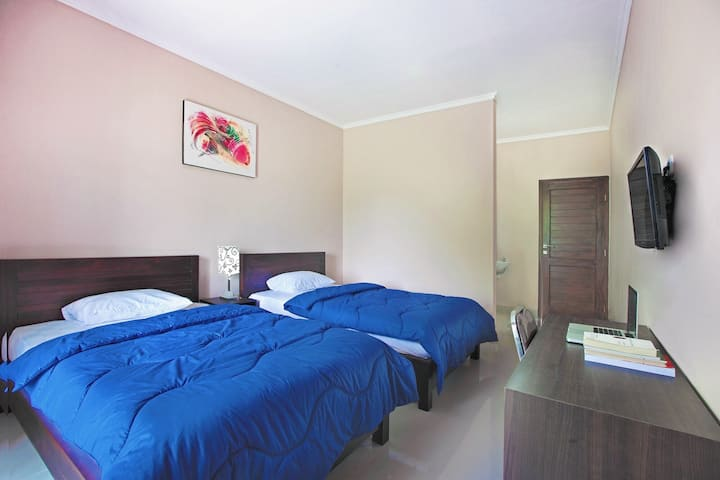 Lovely twinbeds in Jimbaran to share with besties!