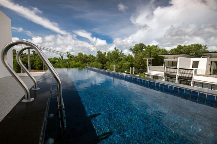 赠接机+王权自助!靠湖靠海!全新悦榕高端五卧室别墅Laguna Park。商业配套完善。顶层天际泳池