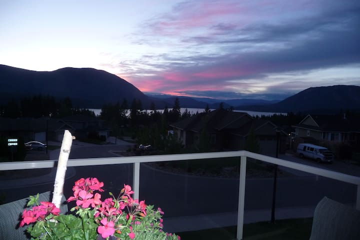 Master Bedroom with private bathroom in Salmon Arm - Salmon Arm - Dom