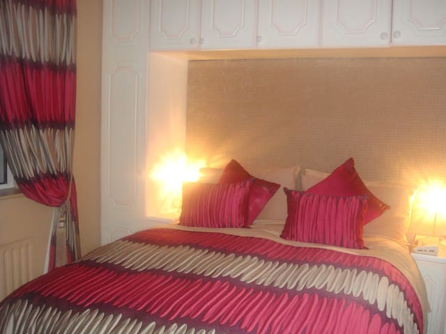 Double Room Ensuite - Pullen - Bed & Breakfast