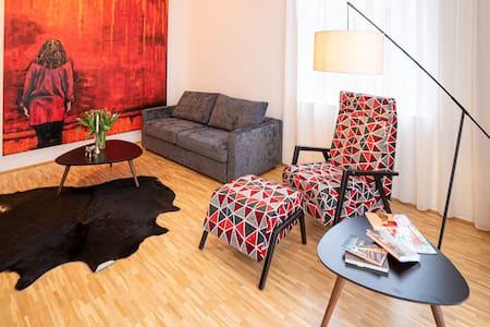 Traunkirchen - Stylisches Apartment direkt am See