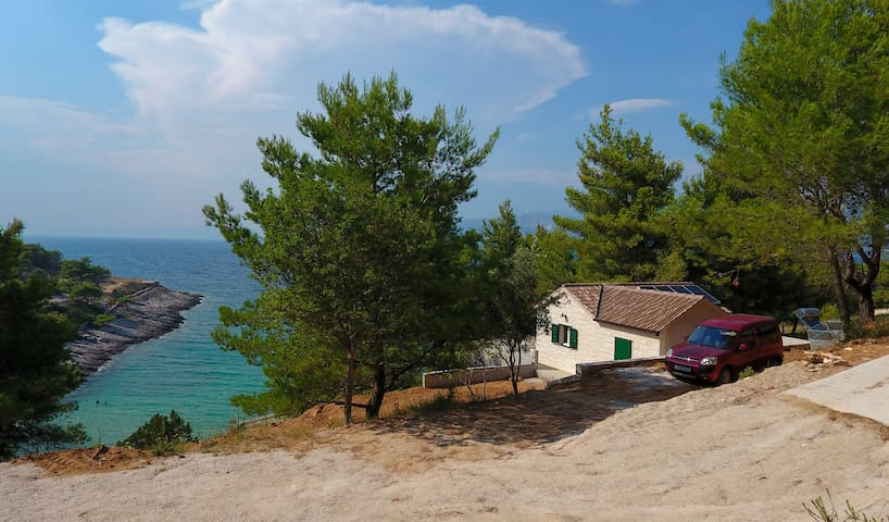 Beach House Sarbun