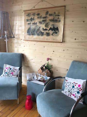 Landelijk wonen in een Zweedse blokhut.