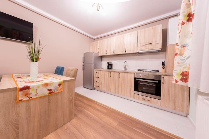 ApartHotel Crema Residence 2-3 ADULTS - Alba Iulia - Leilighet