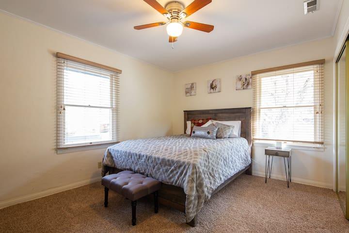 Upstairs Guest Bedroom #3 Queen Bed