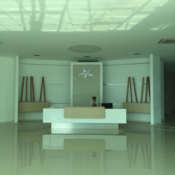 Primer piso // Lobby