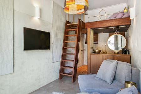 Surfers' Loft Tamarama  -  direct access to beach