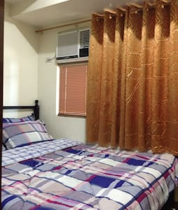A cozy unit with parking - Mandaluyong City - Condominium