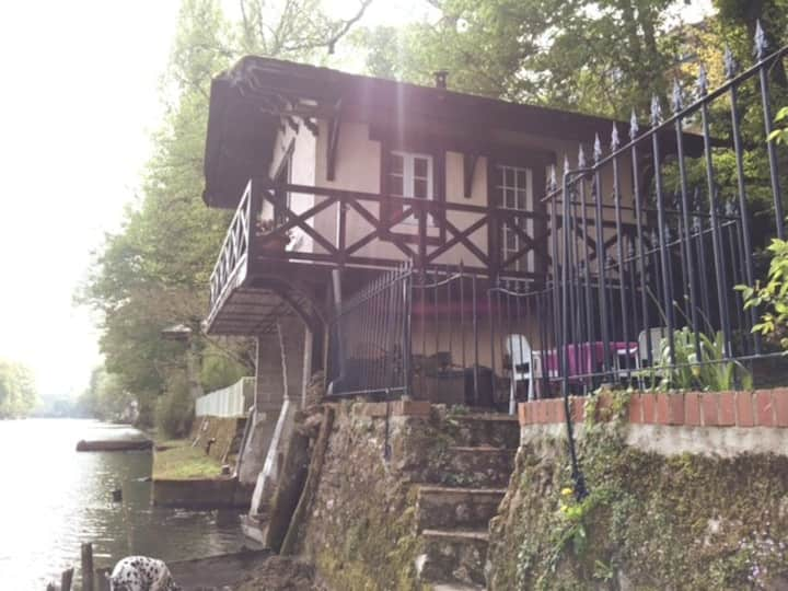 Chalet sur les bords du Loiret