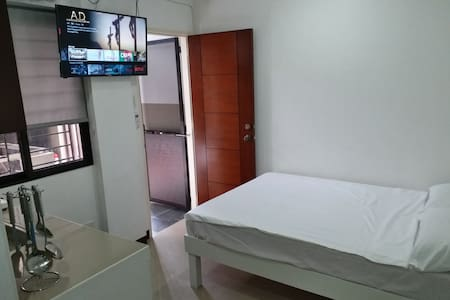 305 Clark Pad Angeles City WiFi Netflix Smart TV
