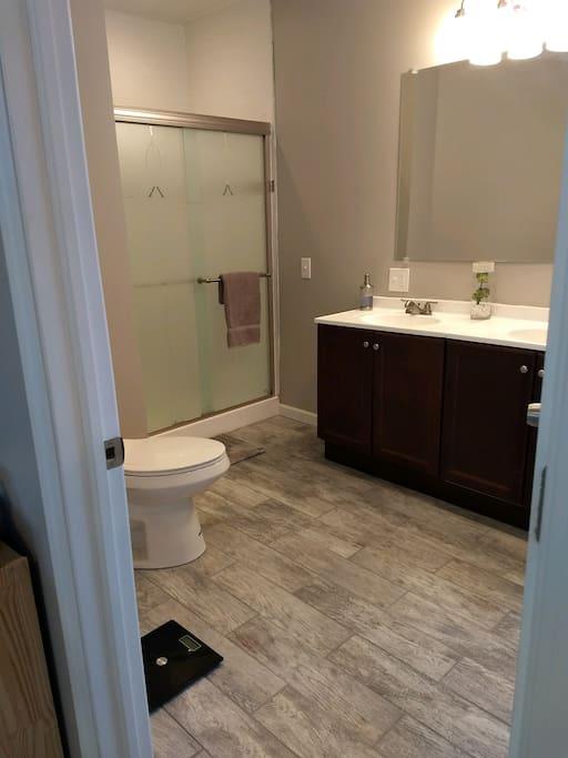 Bathroom, shower and tub. En Suite!