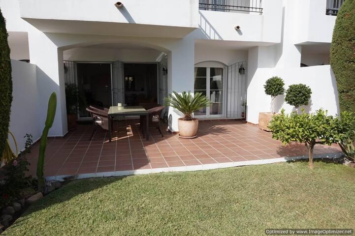 2 Bed Garden Apartment Large Terrace R112 - Benahavís - Apartment