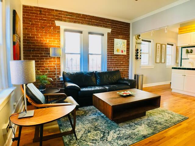 Fully Updated Charming Condo in Heart of Downtown