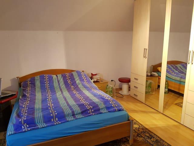 Übernachtung im Zentrum Schorndorf - Schorndorf - Rumah