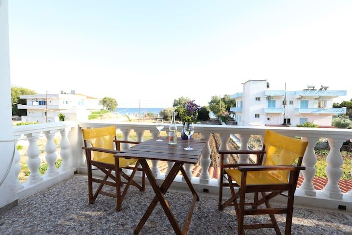 Balos Koumeika, Beach House, 50m to beach