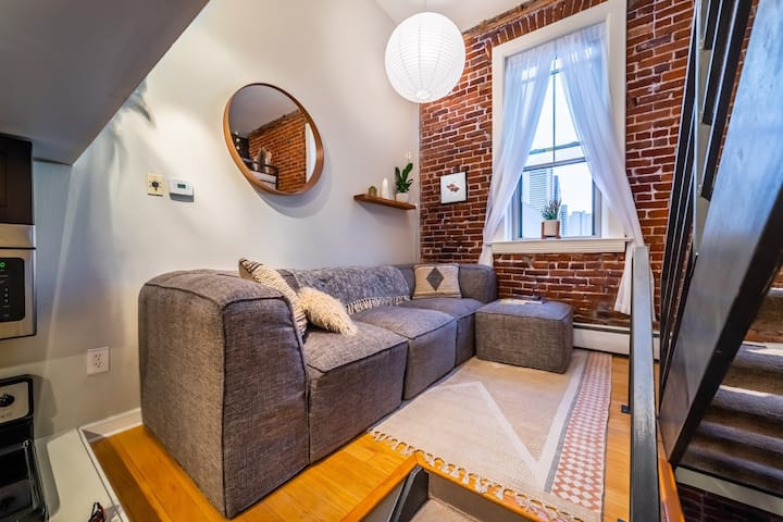 Ballpark Downtown Loft w/Parking, Walk to All!
