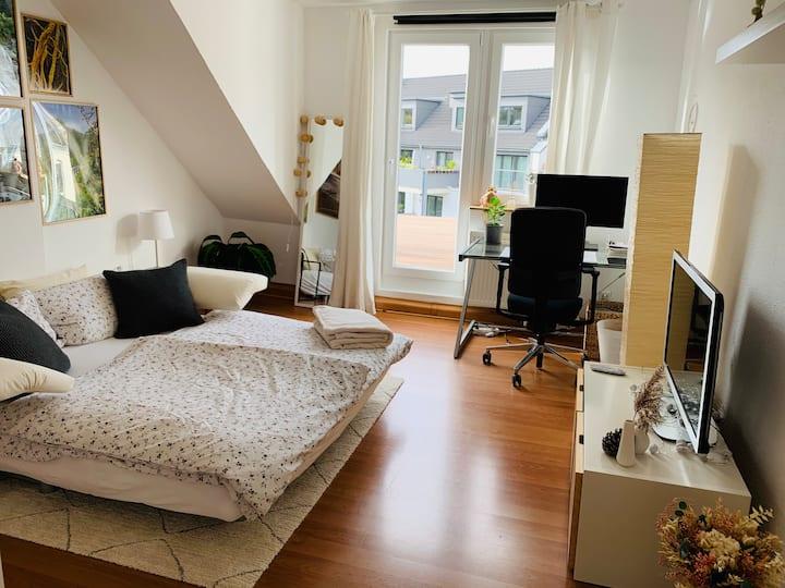 Sehr zentrales, gemütliches Zimmer in Köln