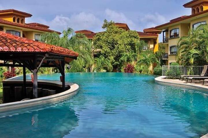 Paradise Peaceful Retreat at The Oaks 5 STAR CONDO