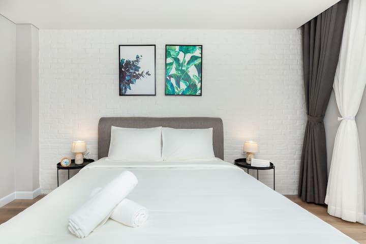 Cozrum Premier ✯ 1BR Airy Room w Spacious Balcony