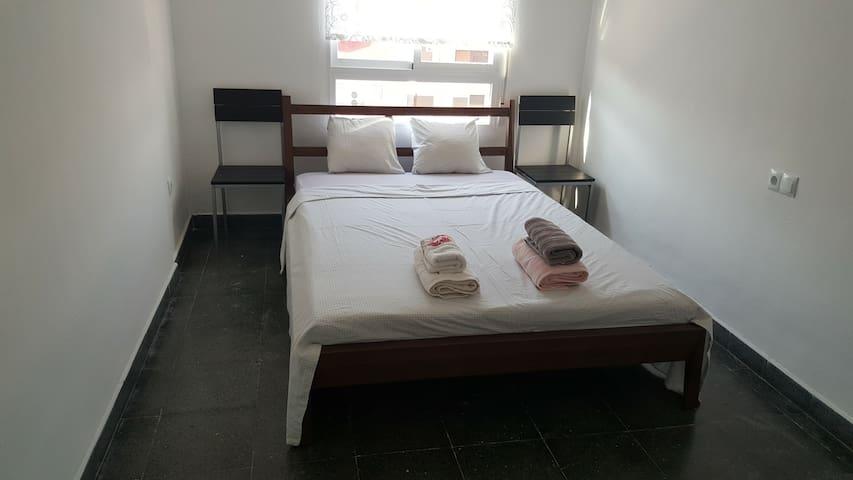 Bedroom close to the Torres de Quart - València - Lejlighed
