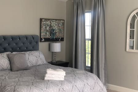 Wine Country-Home! Deeply Cleaned, Stylish, &Cozy!
