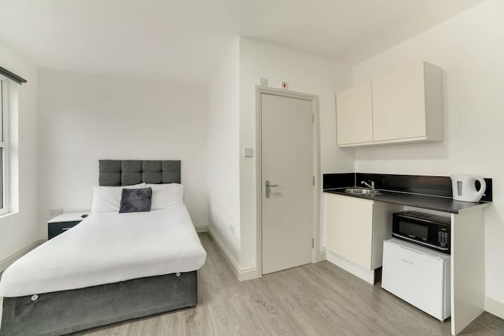 Comfortable Apartment in London near Tooting Market