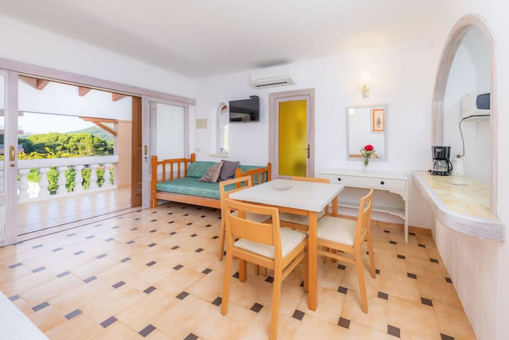 With loggia and near the beach - Apartment Rosa Mar 8